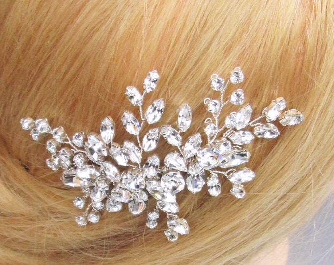 Floral Swarovski crystal hair comb, Bridal crystal hair comb, Rhinestone bridal comb, Sparkly bridal headpiece, Wedding comb vine