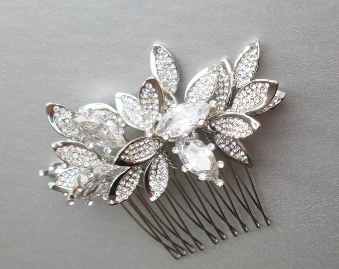 Swarovski crystal hair comb, Bridal crystal hair comb, Rhinestone hair comb, Wedding hair comb, Leaf bridal comb