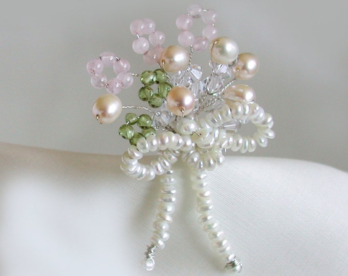 Bouquet of gems bridal hair pin, Crystal and pearl bridal hair pin, Wedding hair pin, Floral crystal hair pin