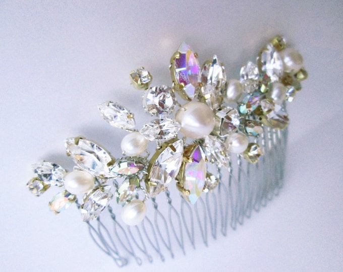 Bridal comb with AB crystal and pearl, Swarovski crystal hair comb, Bridal crystal hair comb, Swarovski hair comb, Sparkly bridal head piece