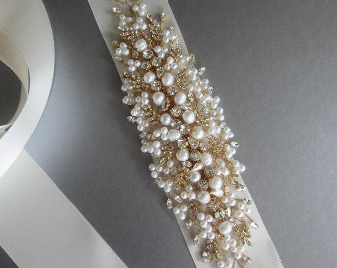 Exquisite crystal belt sash, Bridal Swarovski crystal belt sash, Wedding crystal belt, Crystal and pearl bridal floral belt, Gold belt