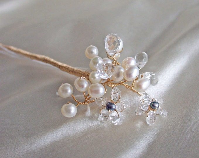 Bridal crystal hair pin, Quartz crystal and cultured freshwater pearl hair pin, Bridal crystal hair pin, Pearl and crystal hair pin clip