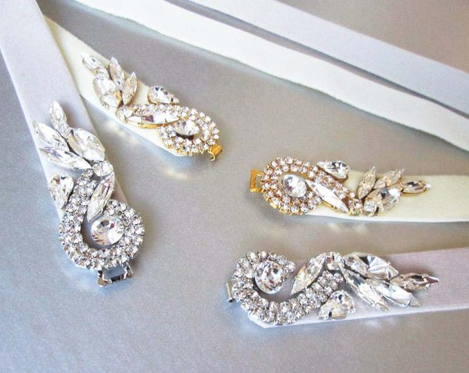 Swarovski crystal stretch velvet belt with clasp closure, Bridal crystal velvet belt, Rhinestone bridal belt, Fitted wedding belt with clasp