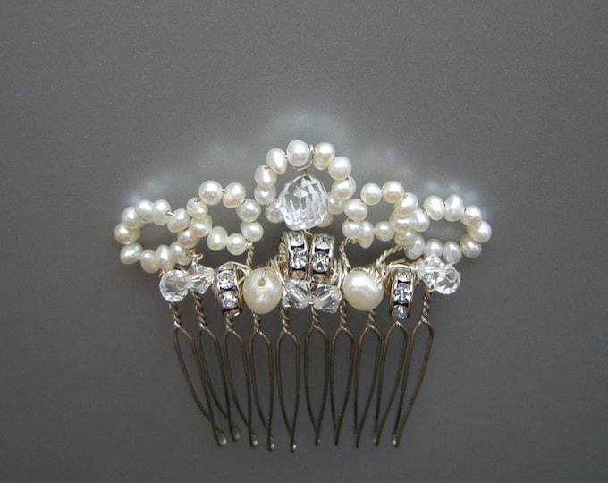 Lacy little hair comb, Bridal hair comb, Wedding hair comb, Bridal pearl hair comb, Swarovski bridal hair comb, Pearl and crystal hair comb