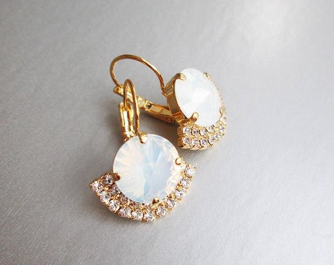Opal Gold bridal crystal earrings, Swarovski crystal bridal Drop earrings, White Opal Wedding rhinestone earrings in gold, silver, rose gold