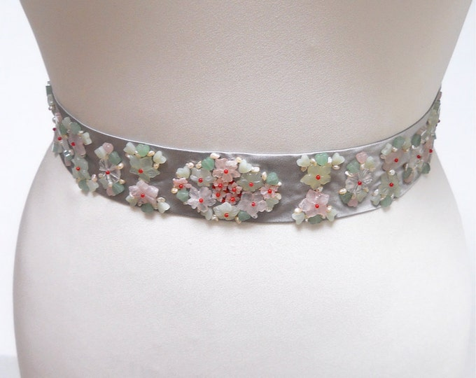 Gemstone bridal belt sash, Wedding belt sash with pearl and gemstone, Silver bridal belt sash, Beaded bridal belt