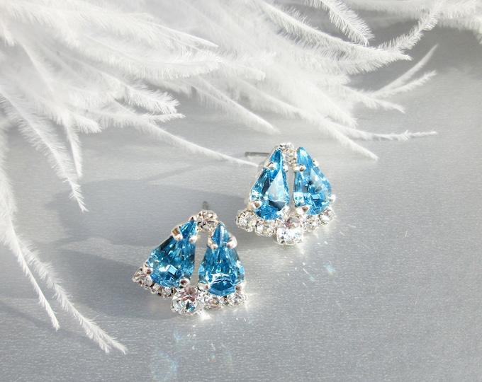 Sky Blue Dainty Bridal crystal studs, Swarovski earrings, Wedding earrings, Stud rhinestone earrings in gold, silver, rose gold, Wedding