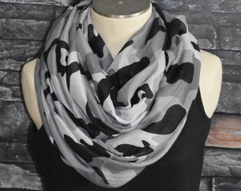 Camo Infinity foulard en Polyester Viscose gris gris Camoflouge cercle  boucle foulard Chunky - chasse - Womans accessoires a7d0fb1cfb9