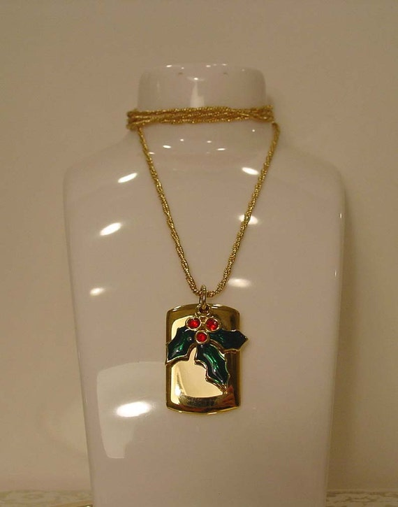 Liz Claiborne Christmas Holly Pendant Necklace