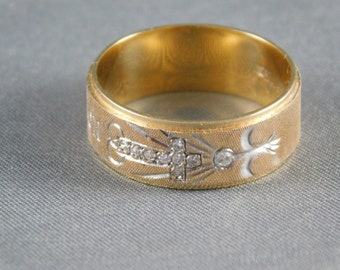 Diamond Band - Cross and Dove - No Greater Love - 8mm wide Yellow Gold 14K 6.2 grams Size 10