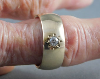 Gold Band with OEC Diamond .15Ct 8mm Wide 9K Yellow Gold 8.2 grams Size 8.25