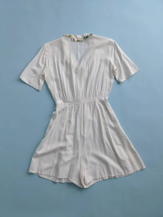1940s White Rayon Shorts Romper Pleated Button Up… - image 4