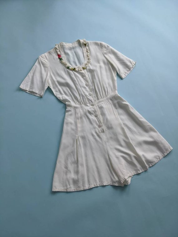 1940s White Rayon Shorts Romper Pleated Button Up… - image 3