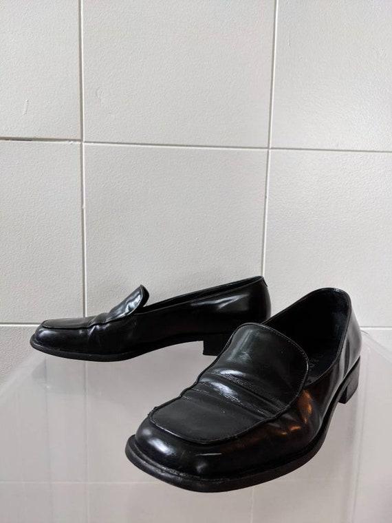 Ladies Size 9.5 1990s PRADA loafers - image 4