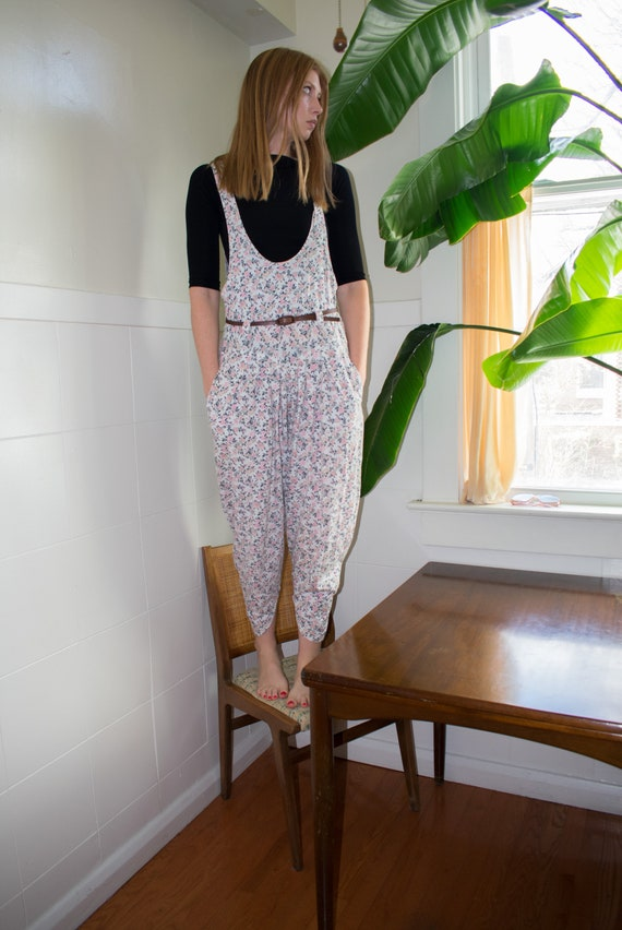 Comfy 80s Floral Knit Jumpsuit Pleated Suspender
