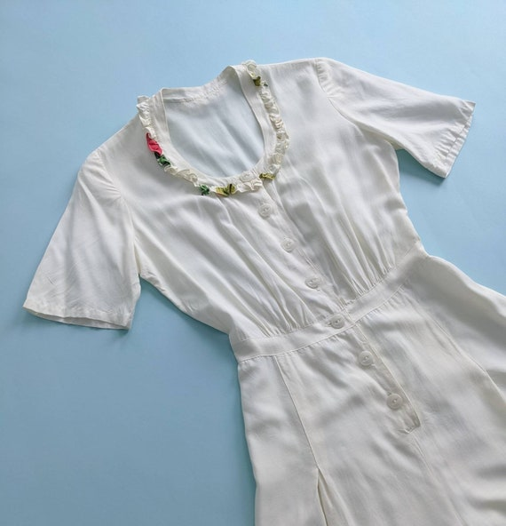 1940s White Rayon Shorts Romper Pleated Button Up… - image 2