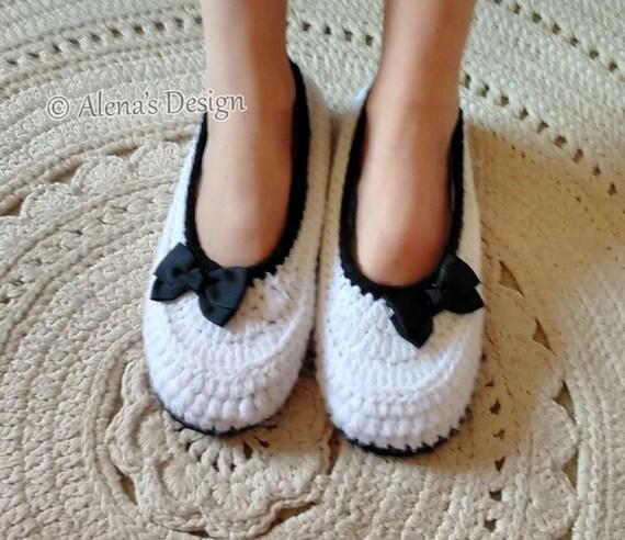 7846aa2619423 Crochet Pattern 074 Crochet Slippers Pattern Women's Slippers Amy Flower  Booties Pattern Teen Ladies Women Adult Shoes Red White Brown