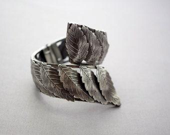 Vintage Vargas Leaf Hinged Cuff Bracelet Mid Century