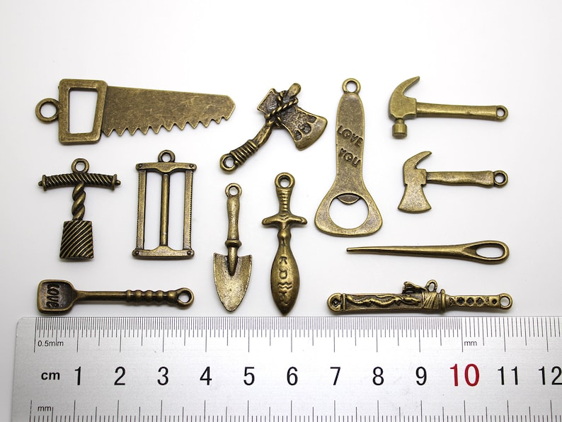 90076 Variety Tools Pendant For Men Assorted Lot Of 12 Pieces