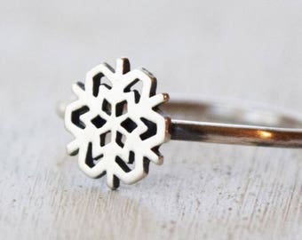 Silver Snowflake Ring, Stacking Ring, Winter Ring, Mothers Day Gift, Gift For Her, Snowfall, White Christmas Ring, Stackable Ring