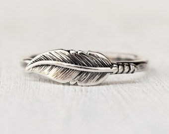 Sterling Silver Feather Ring, Wedding Ring, Silver Stacking Ring , Boho Feather Band, Bridesmaids Ring, Gift for Her, BFF Jewelry