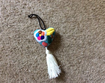 Artisanal handmade colorful heart with tassel,mexican accesory,artesania mexicana, boho embroidery heart, corazon bordado, embroidered heart