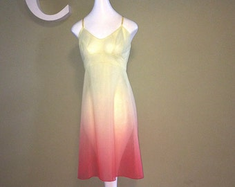 Vintage 60s Vanity Fair Nightie Night Gown Gorgeous Ombre Colors Pale Lemon Yellow shaded to Warm Coral Pink Rockabilly Pin Up Bombshell LG