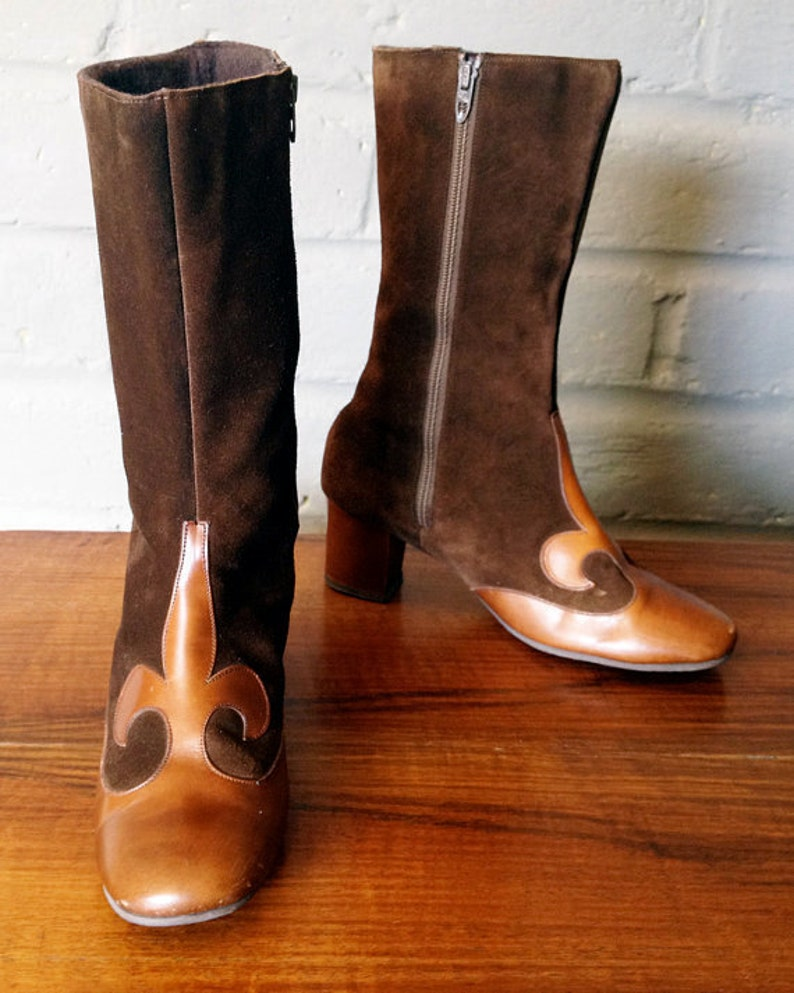 96b3189bc88 MOD Boots Vintage 1960s 60s Carnaby Street Twiggy Style Brown Suede &  Leather Gogo Go go boots French Fleur de lis Hippie Boho Boots Sz 5 ?