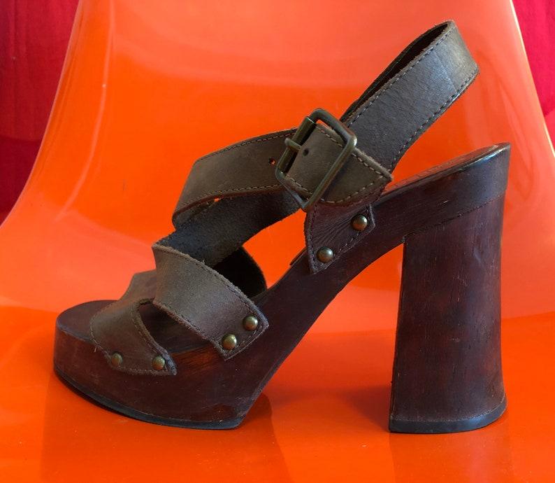 9961e183e010 Vintage 90s does 70s Disco Shoes High Wooden Block Heel Club