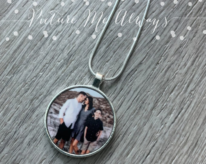Round Custom Photo Necklace