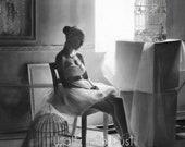 Amarus - Portrait of a Ballerina in a dark room - Gothic Dancer Latin