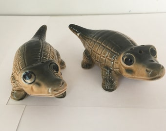 Vintage Alligator, Crocodile Salt and Pepper Shakers, Made in Japan in the 1950s