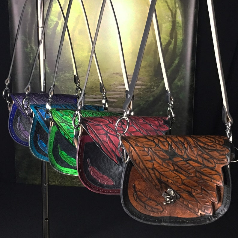 1c5c8f18e3 Porte-monnaie plume en cuir Cuir Shoulder Bag Sac à main | Etsy