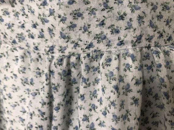 70's Vintage Gunne Sax White Blue Green Calico Fl… - image 9