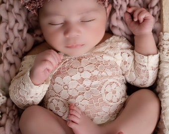 Ivory Lace Romper, stretch lace, w/sleeves, unlined, for newborn photos, bebe foto, Lil Miss Sweet Pea