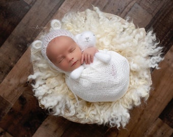 Off-white Textured Knit Newborn Swaddle Wrap, Newborn Photographer, bebe foto, Lil Miss Sweet Pea