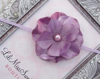 Lavender Satin Flower headband, foto newborn photo shoots, bebe photographer, hand made, bebe bandeau, by Lil Miss Sweet Pea
