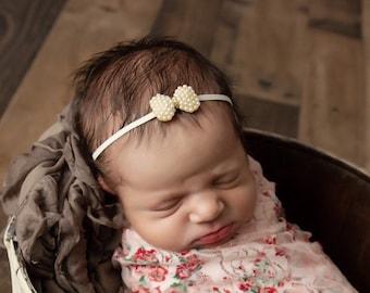 Pearl BowHeadband, bandeau bebe, bebe foto, newborn photographer, baby bling, newborn photography headband, by Lil Miss Sweet Pea