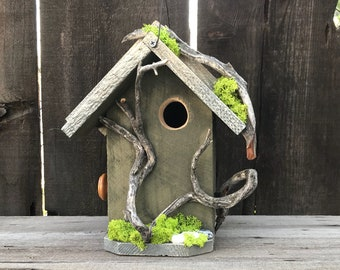 Birdhouse Handmade Cedar Wood Hand Painted Outdoor Bird House White & Green, Manzanita Driftwood Birdhouses, Item #600492648