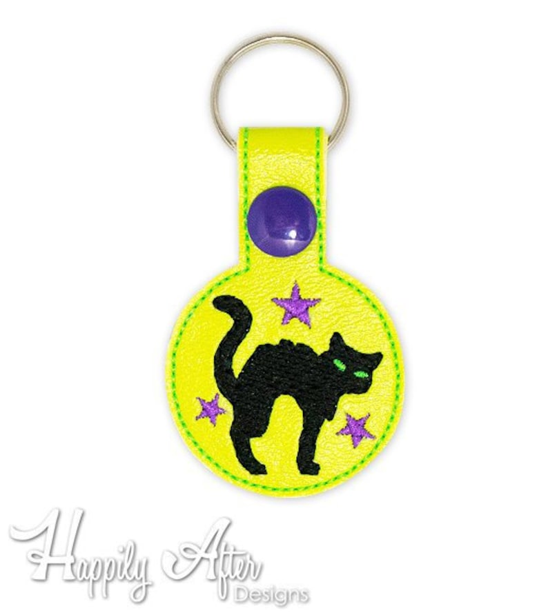 Scaredy Cat Snap Tab Keychain Embroidery Design, cat tab, halloween,  keychain embroidery, cat machine embroidery, ITH, in the hoop, kitty