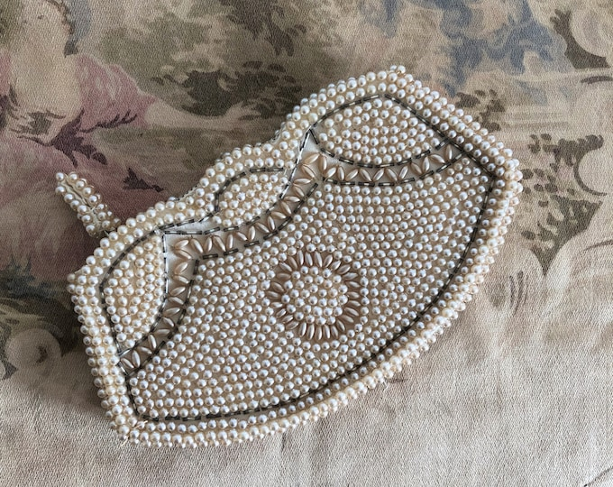 Featured listing image: Vintage Beaded/Pearl Bag