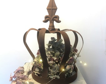 Metal Crown, table centrepiece, garden ornament, cottage chic, rustic crown, floral centrepiece idea, wedding decor, royal theme