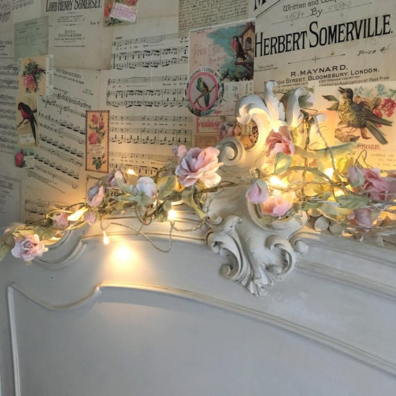 Pretty vintage-style floral garlands