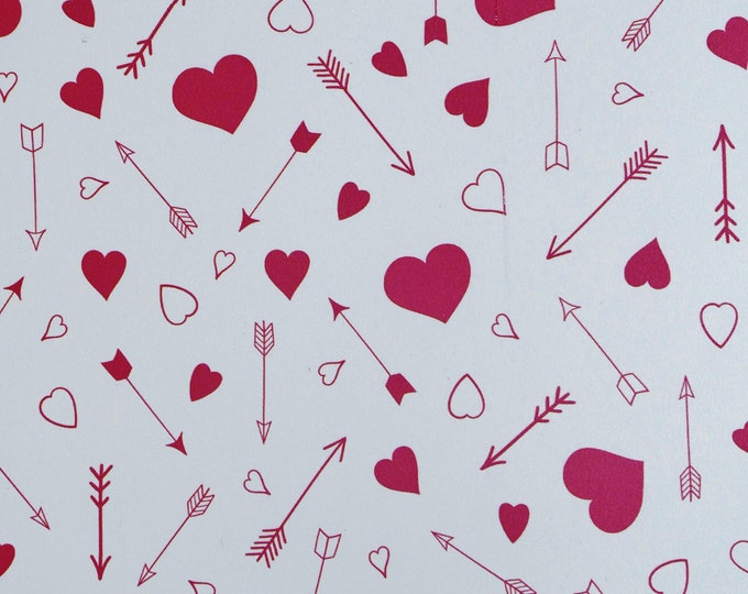 """NeW 12""""x12"""" HEARTS / ARROWS on WHITE Smooth (no pebbles) Leather 3.5oz/1.4mm PeggySueAlso™ E1380-23 Valentines Day"""