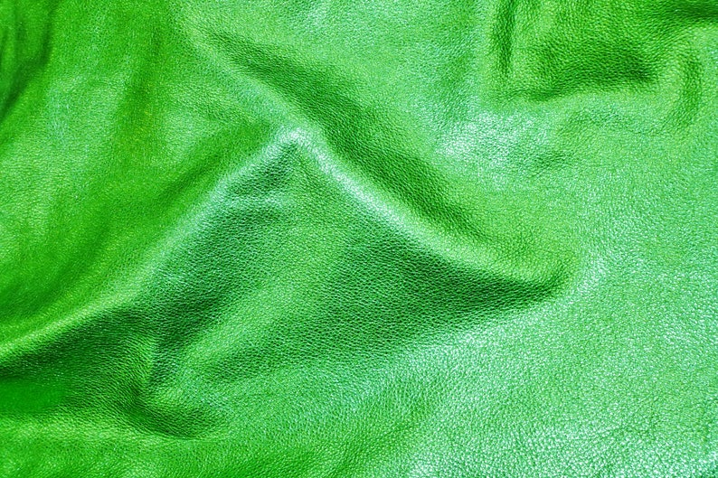 15x15...EMERALD GREEN shows the grain cowhide Leather 3 oz  1.2 mm PeggySueAlso\u2122 E4100-13 Pebbled Metallic 12x20