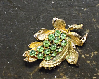 Vintage Gold Tone and Green Rhinestone Brooch / Pin / Mid Century Pin / Sweater Pin / Hat Pin