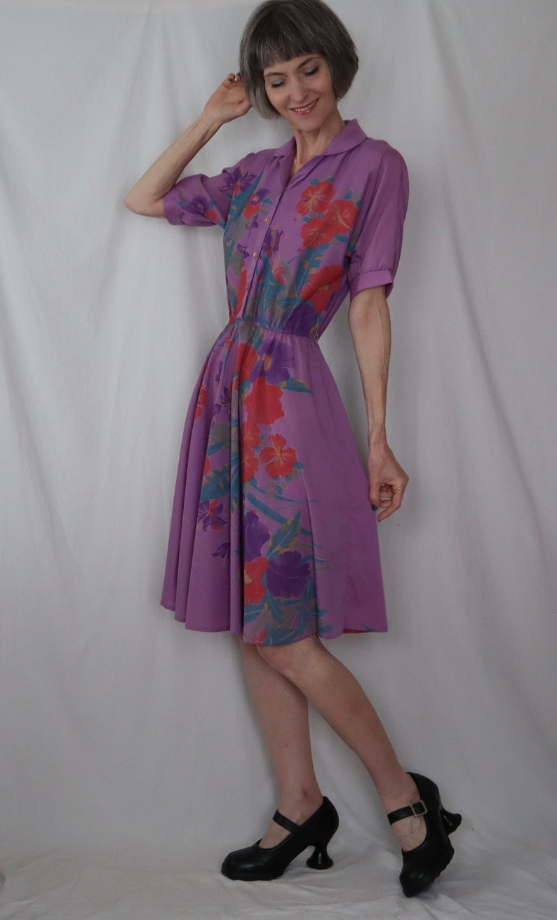 full skirt dreamy lush botanical xss BROADWAY DIRECTIONS vintage shirt dress shirtdress 70s 80s tropical hibiscus floral print