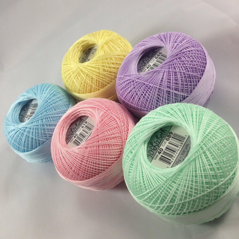 PLEINS bobines - - fil de frivolité - - taille 40 - Pastels - cinq couleurs - Lizbeth - couleurs 710, 619, 615, 689 et Total 646-1500 Yards 43b456