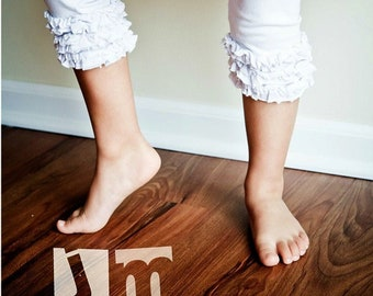 Double ruffle shorts, you choose color.   Available girls 12 months to 10 years.