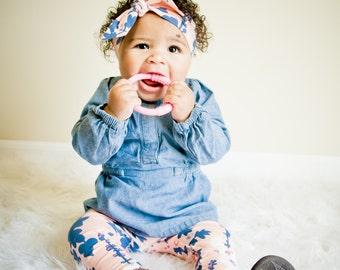 Baby leggings with matching headband available.